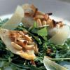 Ovnbagte torskestykker med citronolie og pinjekerner