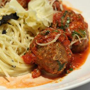 Laksekarbonader i tomat sauce